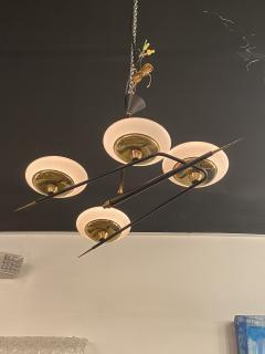 Italian Modern Brass Metal and Frosted Glass 4 light Chandelier Stilnovo - 2094098