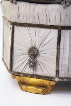 Italian School Pouf Italian Gray Containers in Gilded Wood and Silk early 20th Century - 2052903