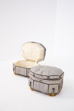 Italian School Pouf Italian Gray Containers in Gilded Wood and Silk early 20th Century - 2052904