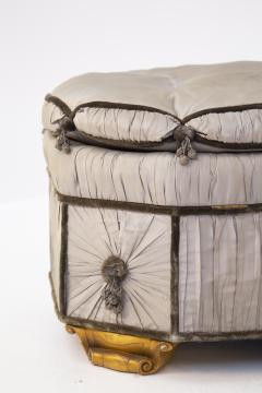 Italian School Pouf Italian Gray Containers in Gilded Wood and Silk early 20th Century - 2052905