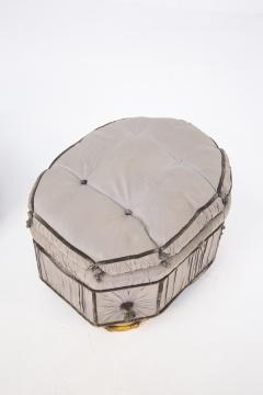 Italian School Pouf Italian Gray Containers in Gilded Wood and Silk early 20th Century - 2052906