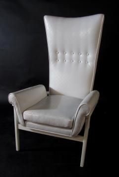 James Mont American Modern High Back Button Tufted White Lacquer Lounge Chair James Mont - 1387750