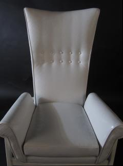 James Mont American Modern High Back Button Tufted White Lacquer Lounge Chair James Mont - 1387767