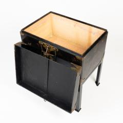 Japanese lacquered trunk on stand - 1934607