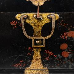 Japanese lacquered trunk on stand - 1934608