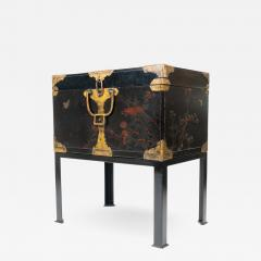 Japanese lacquered trunk on stand - 1937410
