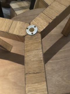 Jean Roy re Jean Roy re Genuine tripod oak coffee table in vintage condition - 1290447