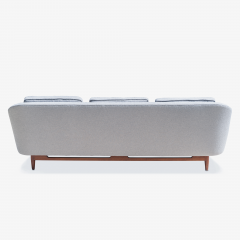 Jens Risom Jens Risom Model 2516 Sofa in Fog Gray Boucl with Walnut Base - 2022257