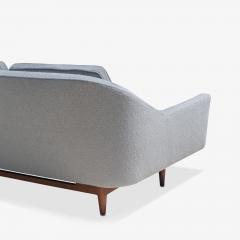 Jens Risom Jens Risom Model 2516 Sofa in Fog Gray Boucl with Walnut Base - 2022260