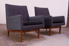 Jens Risom Pair of 1950s Floating Walnut Lounge Chairs by Jens Risom - 1208024