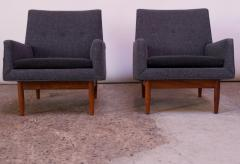 Jens Risom Pair of 1950s Floating Walnut Lounge Chairs by Jens Risom - 1208025