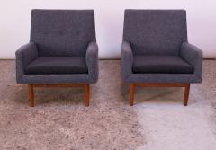 Jens Risom Pair of 1950s Floating Walnut Lounge Chairs by Jens Risom - 1208026