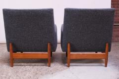 Jens Risom Pair of 1950s Floating Walnut Lounge Chairs by Jens Risom - 1208027