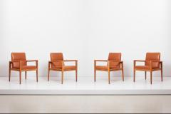 Jens Risom Set of Four Labeled Jens Risom Armchairs in Walnut in Cognac Leather USA 1960s - 1622667