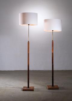Jo Hammerborg Pair of Jo Hammerborg height adjustable wood and brass floor lamps - 1965185