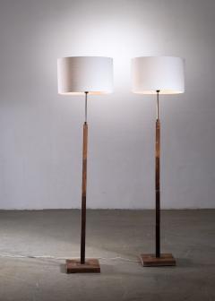 Jo Hammerborg Pair of Jo Hammerborg height adjustable wood and brass floor lamps - 1965187