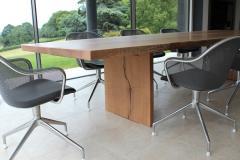 Jonathan Field L D table - 1991016