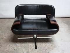 Jorge Zalszupin Brazilian Modern Jacaranda and Leather Swiveling Lounge Chair by Jorge Zalszupin - 577063