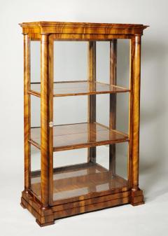 Josef Danhauser A Biedermeier display cabinet attributed to Josef Danhauser - 1185415