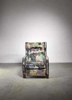 Josef Frank Modernist wingback chair with Josef Frank upholstery - 1327668