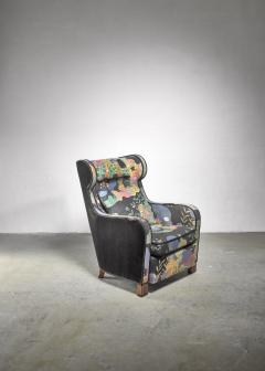 Josef Frank Modernist wingback chair with Josef Frank upholstery - 1327669