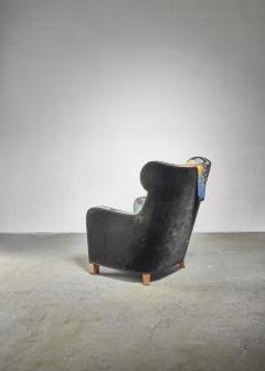 Josef Frank Modernist wingback chair with Josef Frank upholstery - 1327670
