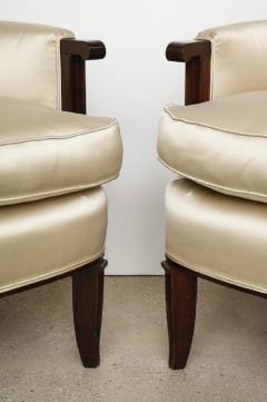 Jules Leleu Elegant pair of satin and walnut armchairs by Jules Leleu - 1397660