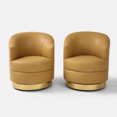 Karl Springer Pair of Swivel Chairs in Camel Leather and Brass - 2136803