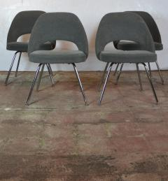 Knoll Saarinen Chairs - 1052579