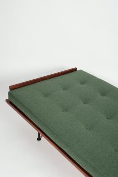 Kurt Thut Kurt Thut Daybed with in green covered mattress 1960 - 1937995