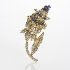 Lacloche Fr res LaCloche Paris Mid 20th Century Diamond Sapphire and Gold Flower Brooch - 1304031