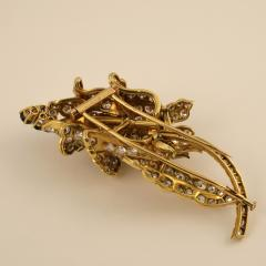 Lacloche Fr res LaCloche Paris Mid 20th Century Diamond Sapphire and Gold Flower Brooch - 1304041