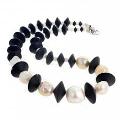 Large Cultured Pearls and Black Onyx Necklace - 1866027