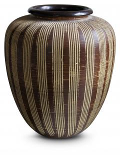 Large German Modernist Vase with Carved Pinstripes - 1577043