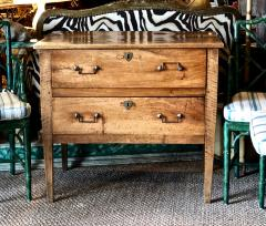 Late 18th Century Italian Neoclassical Chest of Drawers - 1381702