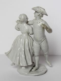 Le Nove Courting Couple Dancing - 339385