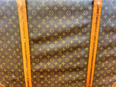Louis Vuitton Louis Vuitton Monogram Holdall Luggage Bag or Suitcase - 1676555