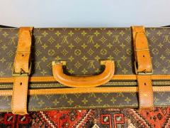 Louis Vuitton Louis Vuitton Monogram Holdall Luggage Bag or Suitcase - 1676559