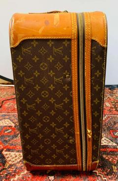 Louis Vuitton Louis Vuitton Monogram Holdall Luggage Bag or Suitcase - 1676562
