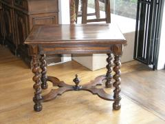Louis XIII Walnut Table Circa 1730 - 1006889