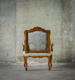 Louis XV Walnut Fauteuil - 384152