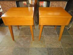 Lovely Pair of Conant Ball Maple Nightstand Tables Mid Century Modern - 1613969