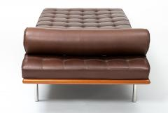 Ludwig Mies Van Der Rohe Barcelona Chaise Couch in Brown Leather by Ludwig Mies van der Rohe - 1169628