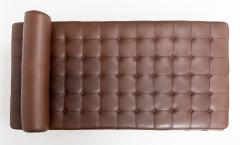 Ludwig Mies Van Der Rohe Barcelona Chaise Couch in Brown Leather by Ludwig Mies van der Rohe - 1169630