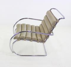 Ludwig Mies Van Der Rohe Mid Century Modern - 1045307