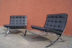 Ludwig Mies Van Der Rohe Pair of Barcelona Chairs by Mies van der Rohe for Knoll - 937241