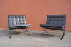 Ludwig Mies Van Der Rohe Pair of Barcelona Chairs by Mies van der Rohe for Knoll - 937242