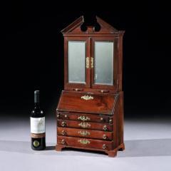 MASTERPIECE MINIATURE BOOKCASE ENGLISH CIRCA 1745 - 2048244