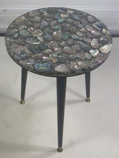 MID CENTURY ABALONE RESIN TOP TRIPOD TABLE - 1148792