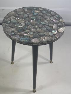 MID CENTURY ABALONE RESIN TOP TRIPOD TABLE - 1148794
